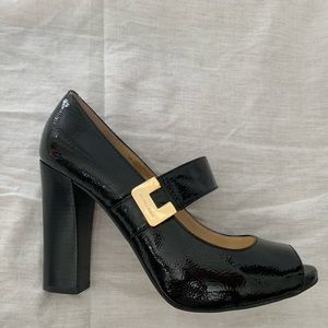 US 7 Micheal Kors Patent Leather Pumps